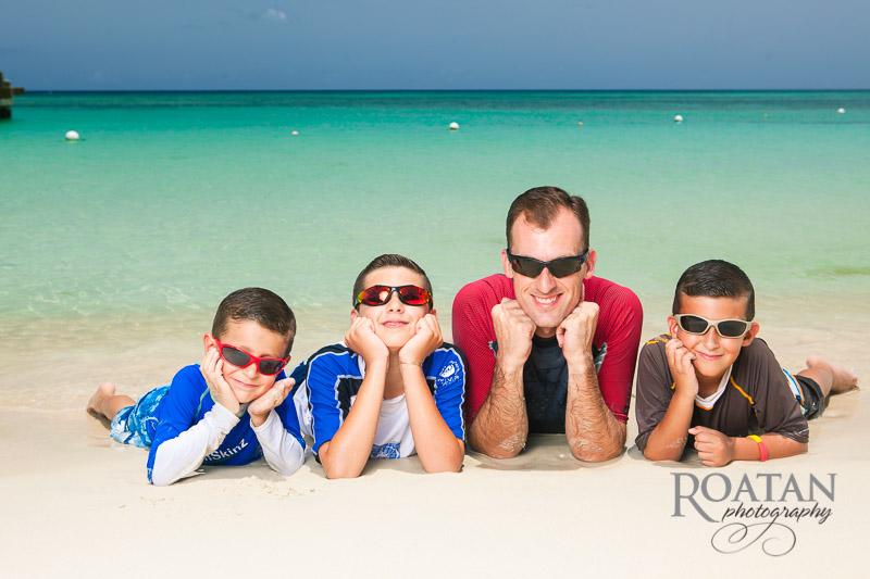 Fun family photos on beach